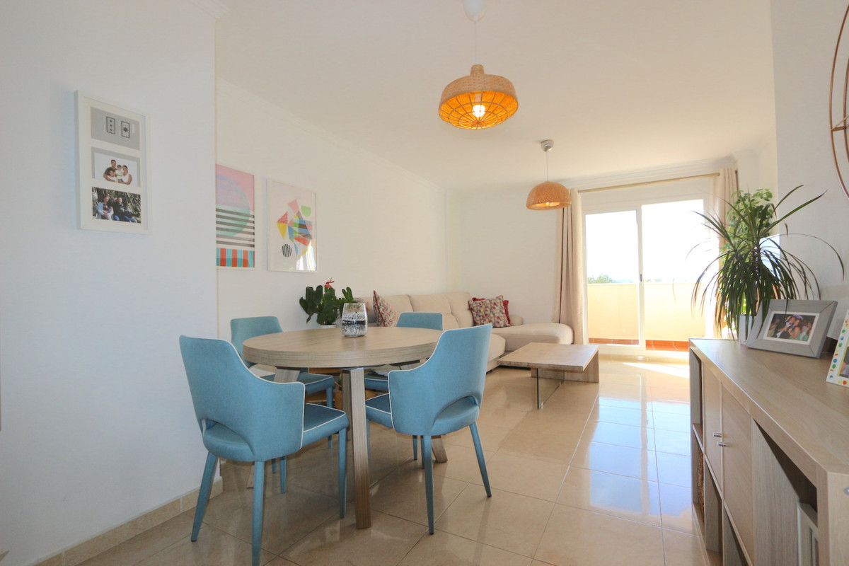 Beautiful duplex penthouse with a private 44m2 solarium with jaguzzi where you can enjoy the Mediter,Spain