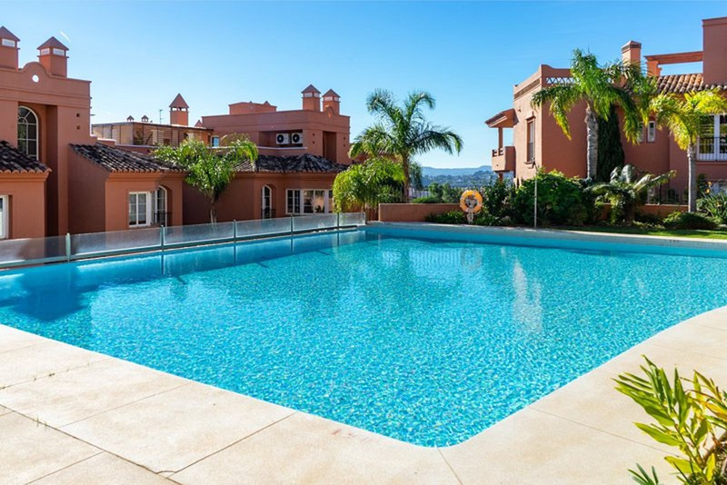 Marbella Banus Apartamento Planta Media en venta en Torreblanca – R3387304