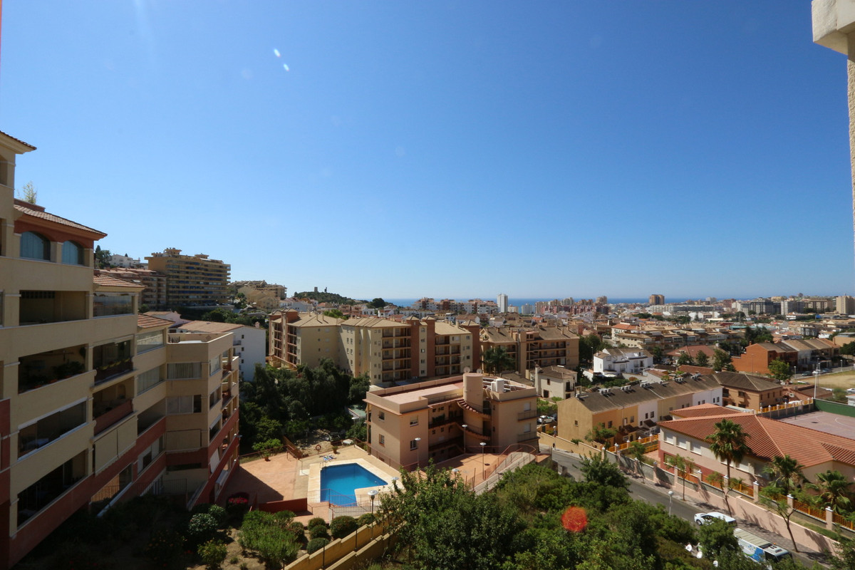 In the lower part of Los Pacos, in the known complex of Lomas de Don Manuel 8th floor apartment with, Spain