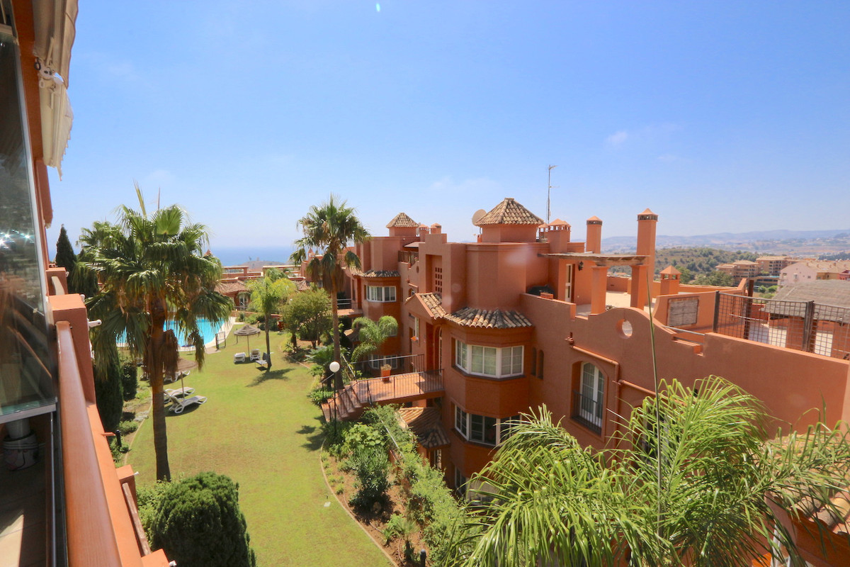 Large 1st floor apartment in the Well known complex of Fuengirola Hills, Los Pacos! This apartment h, Spain