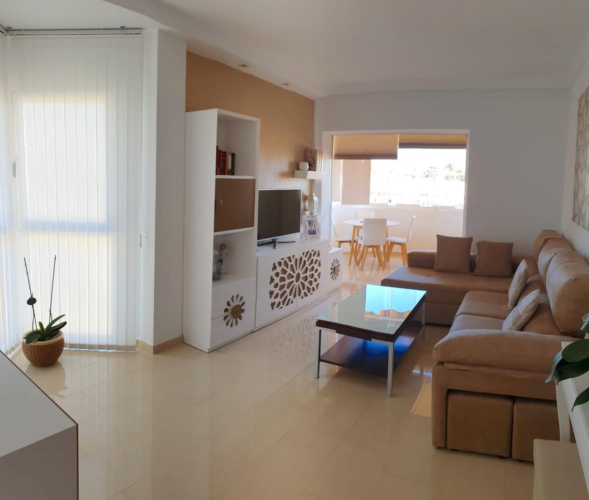 Apartment Middle Floor Los Pacos Málaga Costa del Sol R3511840
