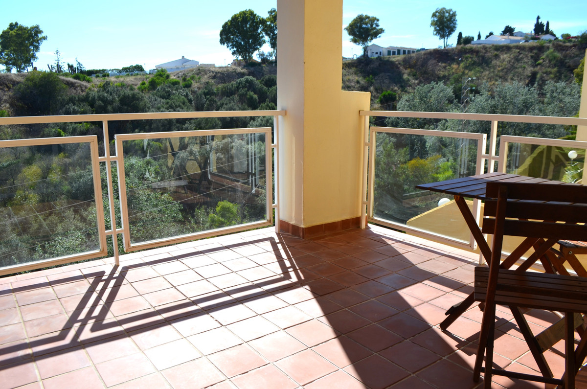 Good Location, low Riviera, waking distance to the shops, two bedrooms and one bathroom, fitted kitc,Spain