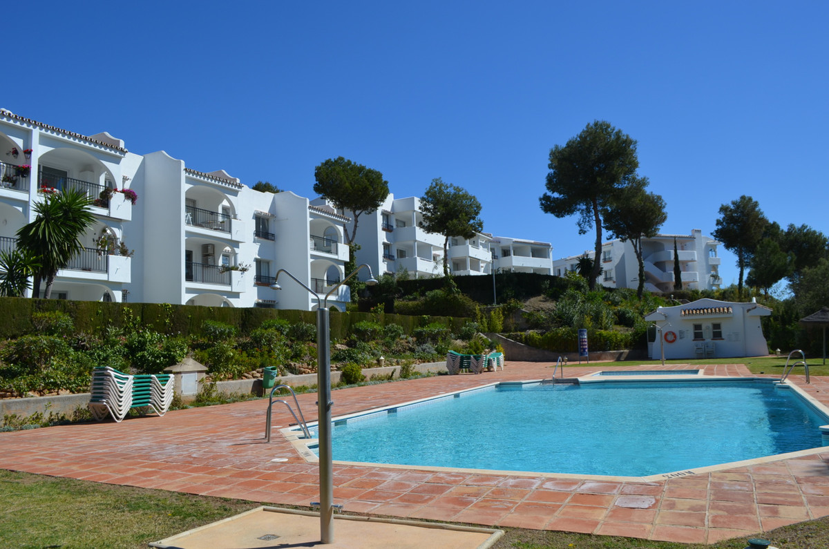 This wonderfully located 1 bedroom ground floor apartment, situated in Riviera del sol, one bedroom,,Spain