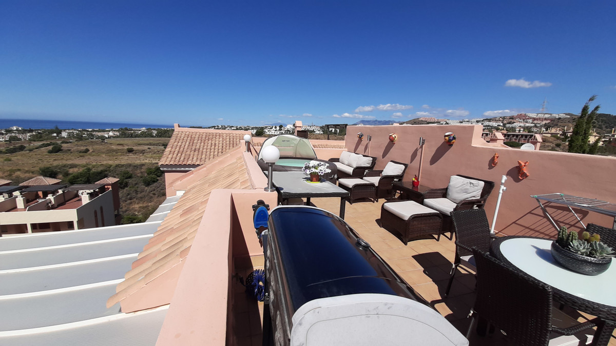 Very nice Penthouse, with sea views, roof terrace with jacuzzi and barbecue the property has been re,Spain