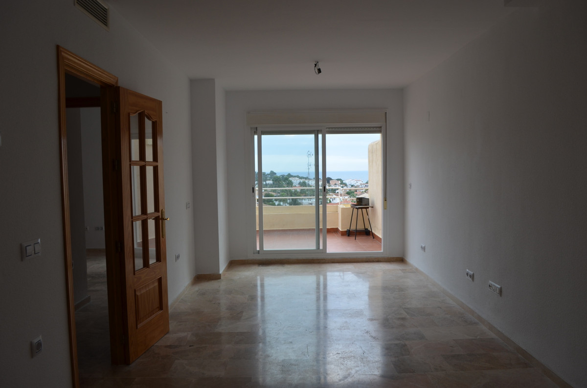 Well situated,  apartment with fantantic sea views, walking distance to shops,  the property  has 2 , Spain