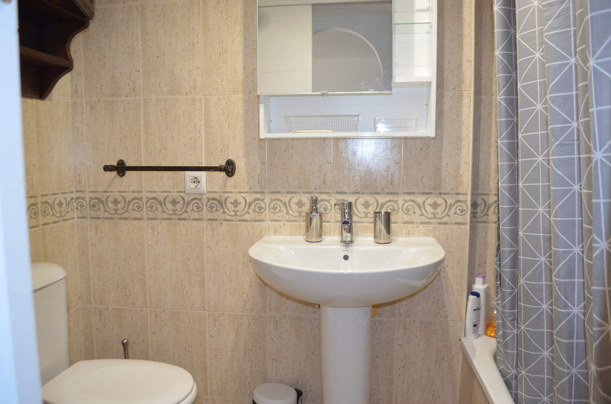 Apartment Middle Floor in Benalmadena, Costa del Sol