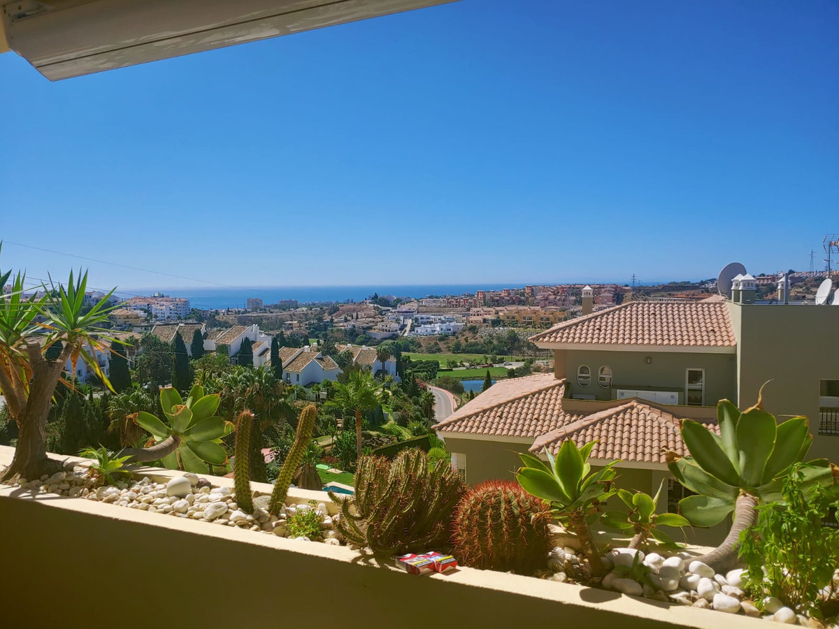 Front line golf apartment , 2 bedrooms apartments, comprising of a bright and spacious living room w,Spain