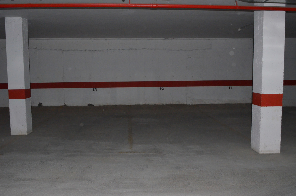 Underground parking, low area of Rivera del sol. Walking distace to shop. Safe., lift, 12m2, Spain