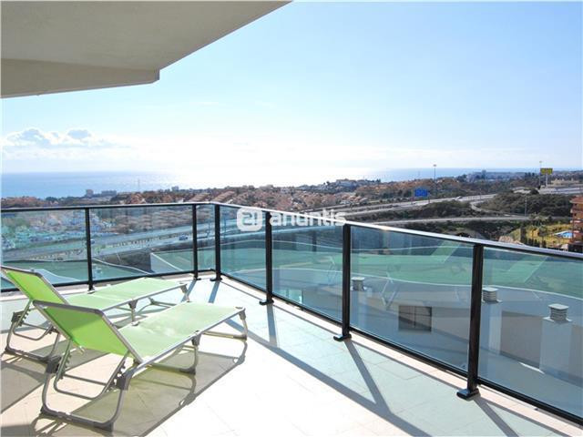 Very mordern apartment, southwest-facing apartment offers many special features and represents excel,Spain