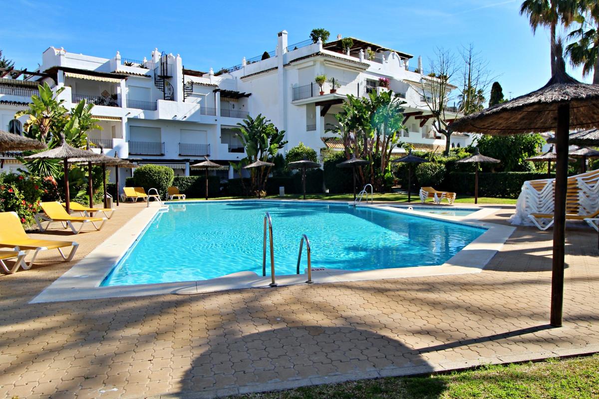 Marbella Banus Apartamento Planta Baja en Venta en San Pedro de Alcántara – R3607157