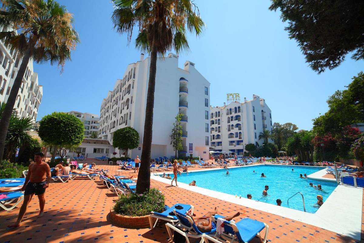 Great investment opportunity in the famous PYR Hotel in Puerto Banus. HIGH PROVEN RENTAL INCOME!!  T, Spain