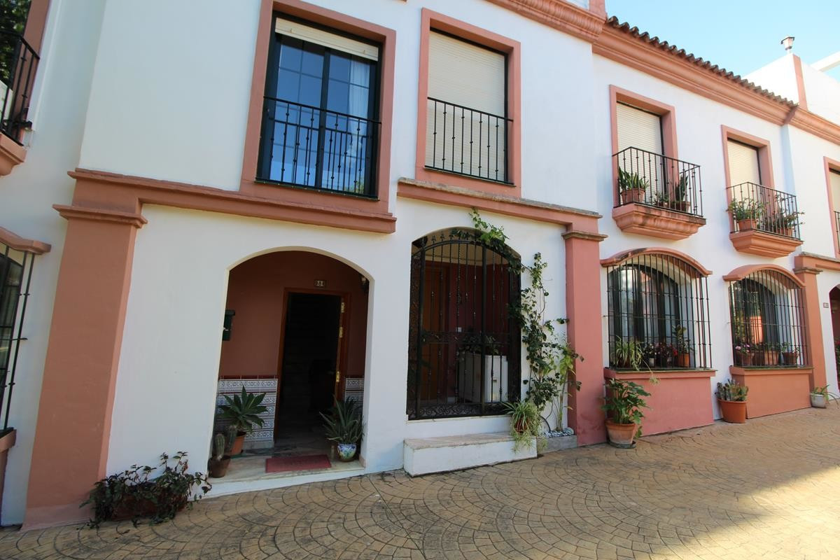 LOVELY TOWNHOUSE IN CANCELADA CLOSE TO THE BEACH   Good sized  4 bedroom Townhouse  laid out over 3 ,Spain