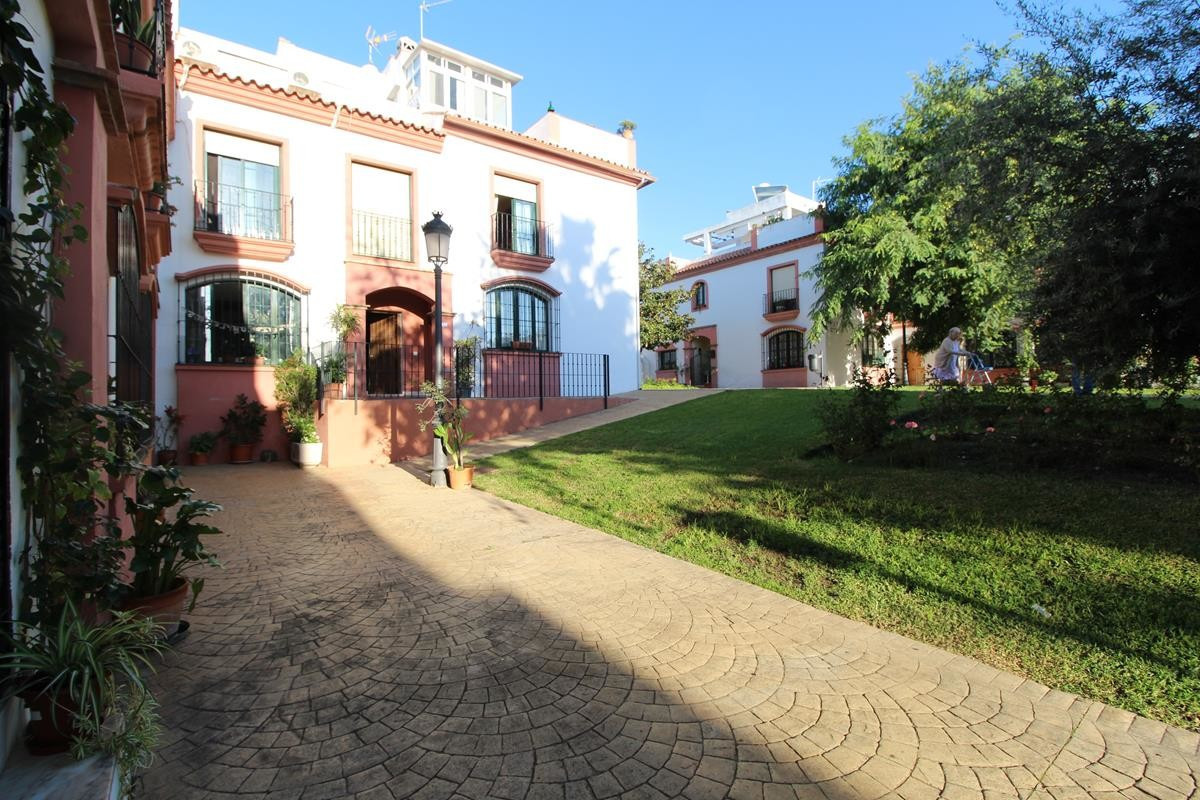 4 Bedroom Townhouse for sale Cancelada