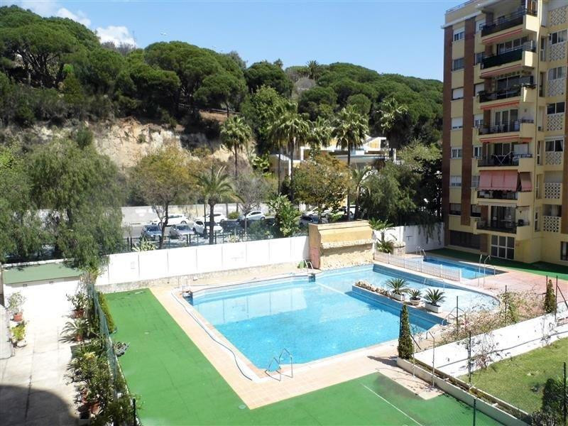 FANTASTIC 1 BEDROOM APARTMENT WITH SEA AND MOUNTAIN VIEWS 300M FROM THE BEACH  Fantastic 1-bedroom a, Spain