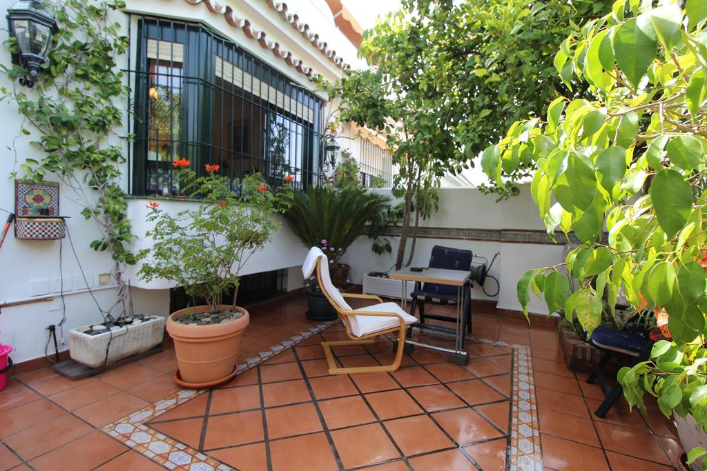 BEAUTIFUL TOWNHOUSE IN SAN PEDRO PLAYA    This lovely Townhouse is located in the sought after area ,Spain
