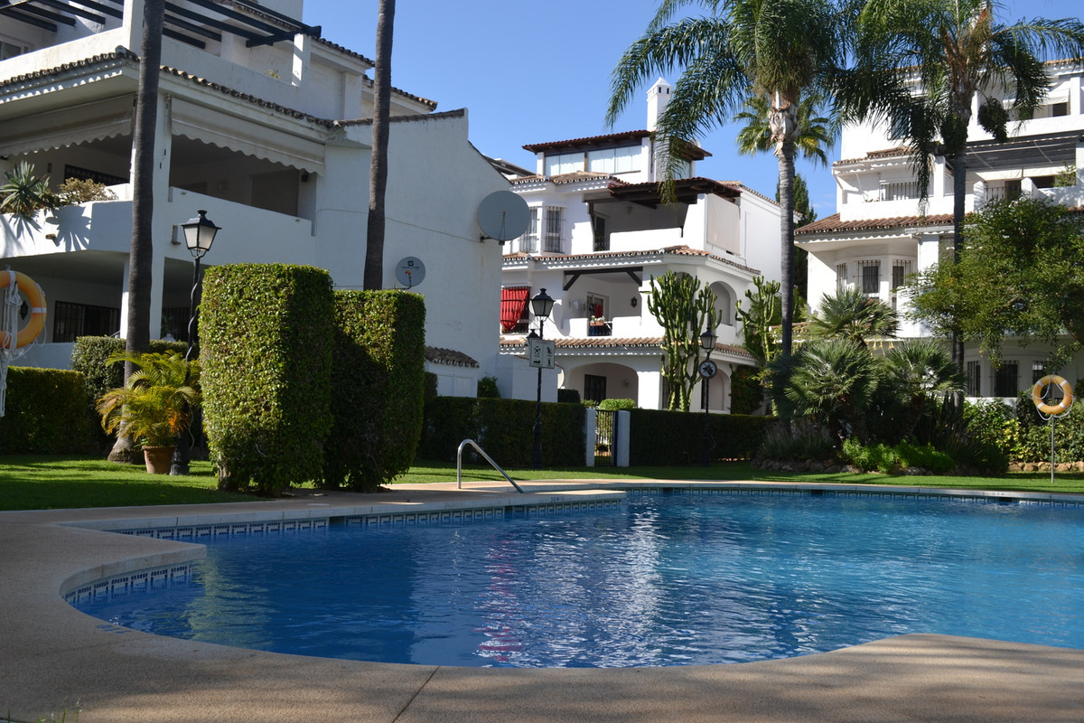 BEAUTIFUL APARTMENT IN NUEVA ANDALUCIA   This lovely Apartment is located in the sought after area N, Spain