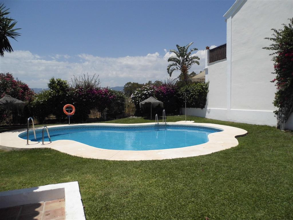 REDUCED FROM 380,000 to 340,000! NEWLY REFORMED 3 BEDROOM CORNER TOWNHOUSE WALKING DISTANCE TO PUERT,Spain