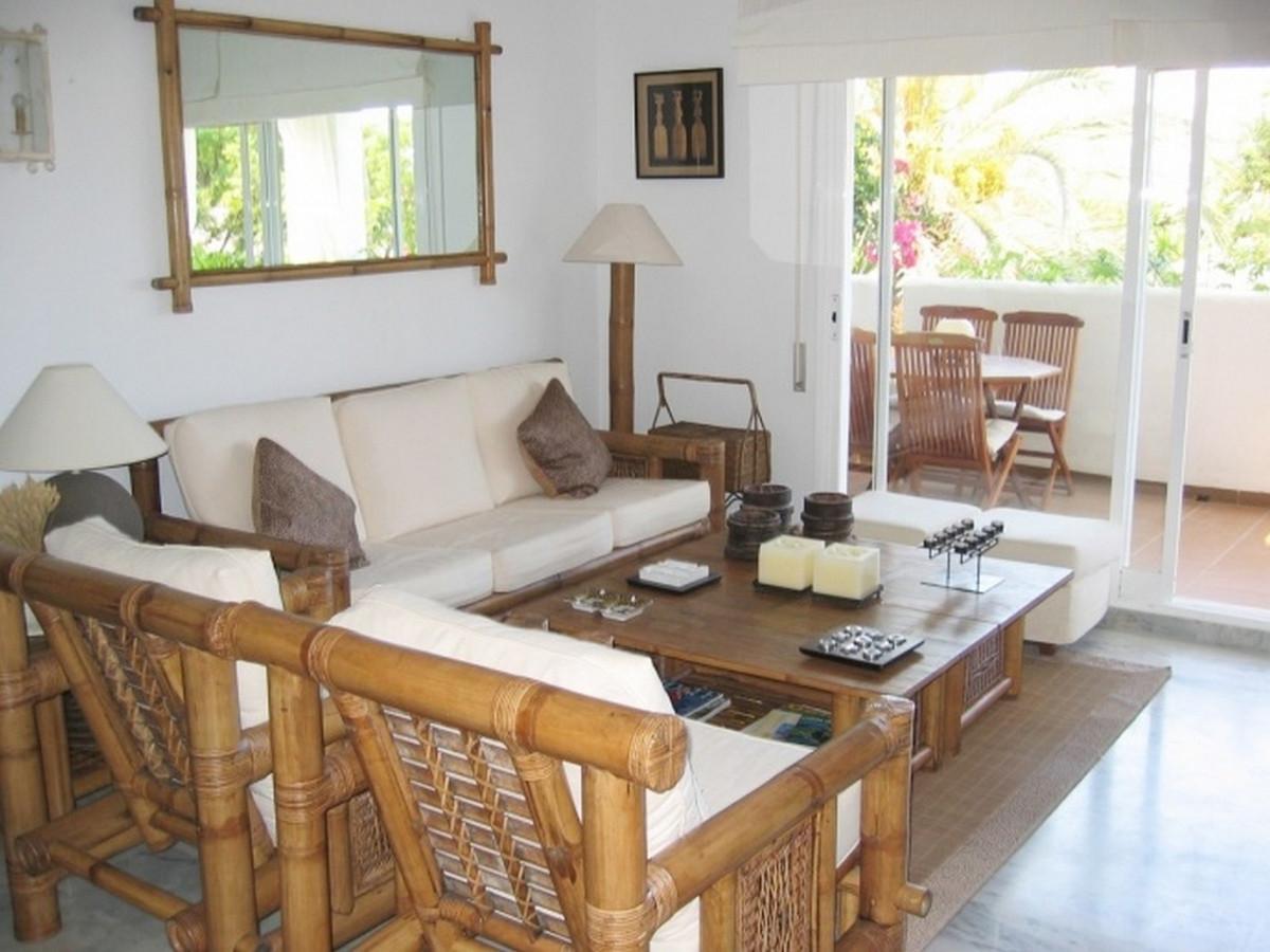 Apartamento Planta Media en Venta en Costalita – R3518845