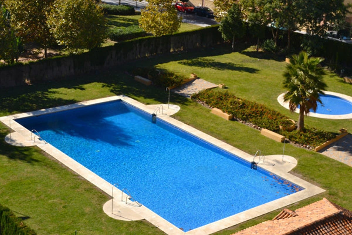 BARGAIN 3 BEDROOM APARTMENT NEXT TO THE BOULEVARD IN SAN PEDRO WITH SEA VIEWS  This lovely first flo, Spain