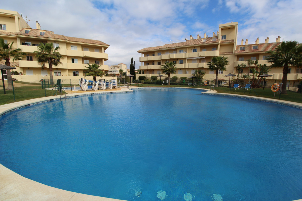 AMAZING APARTMENT IN MANILVA WALKING DISTANCE TO THE BEACH AND SHORT DRIVE TO ALL AMENETIES  This co, Spain