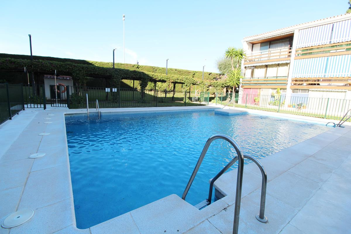 Apartamento, Planta Baja  en venta    en San Pedro de Alcántara