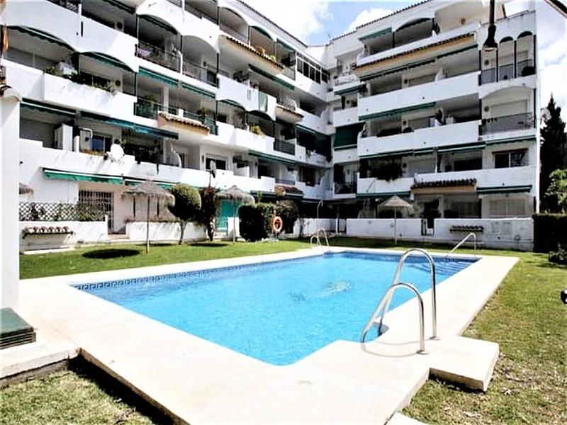 Middle Floor Apartment Artola