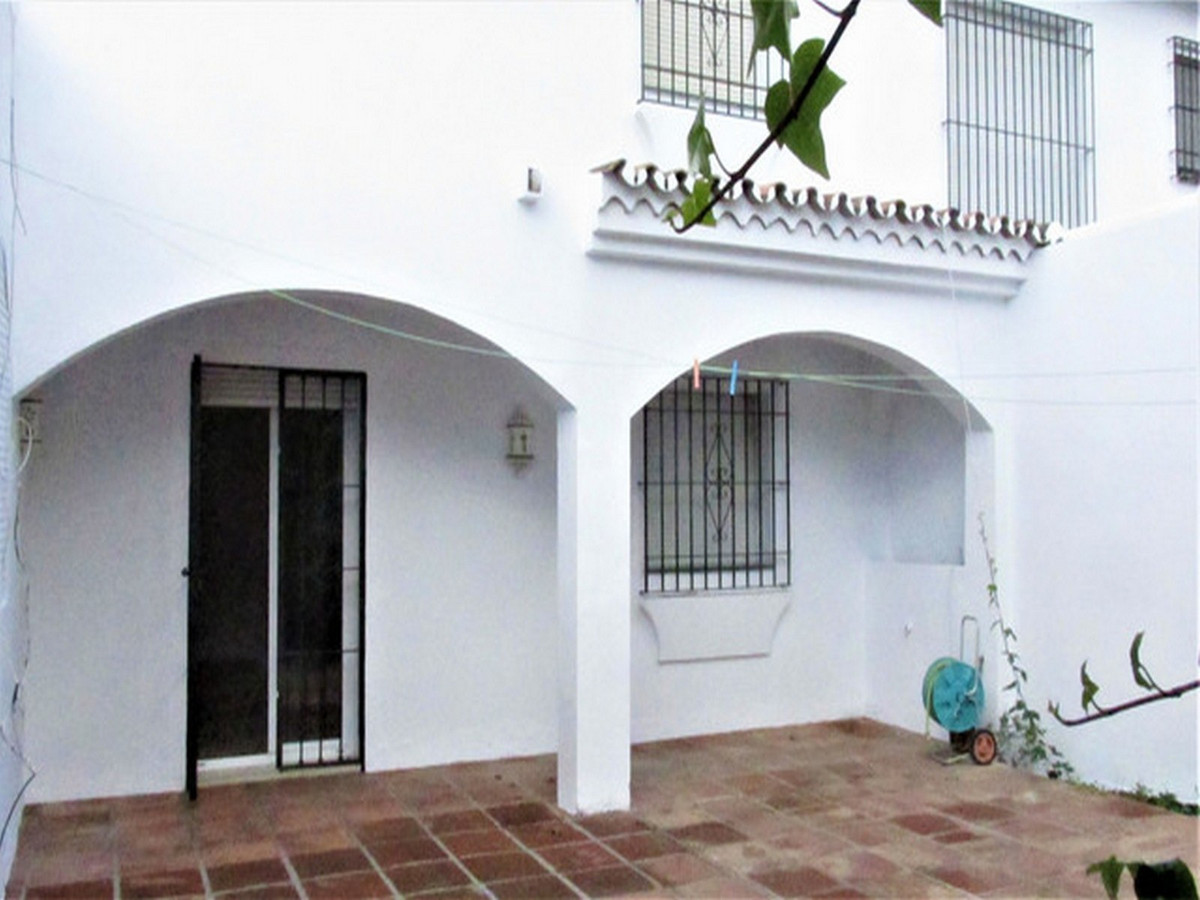 Adosada en Venta en San Pedro de Alcántara – R3453748