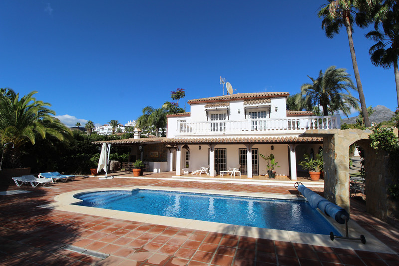 Villas for sale Nueva Andalucia 14