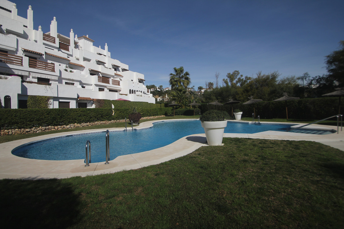 Ground Floor Apartment for sale in Selwo, Estepona with 2 bedrooms, 2 bathrooms, 1 on suite bathroom,Spain