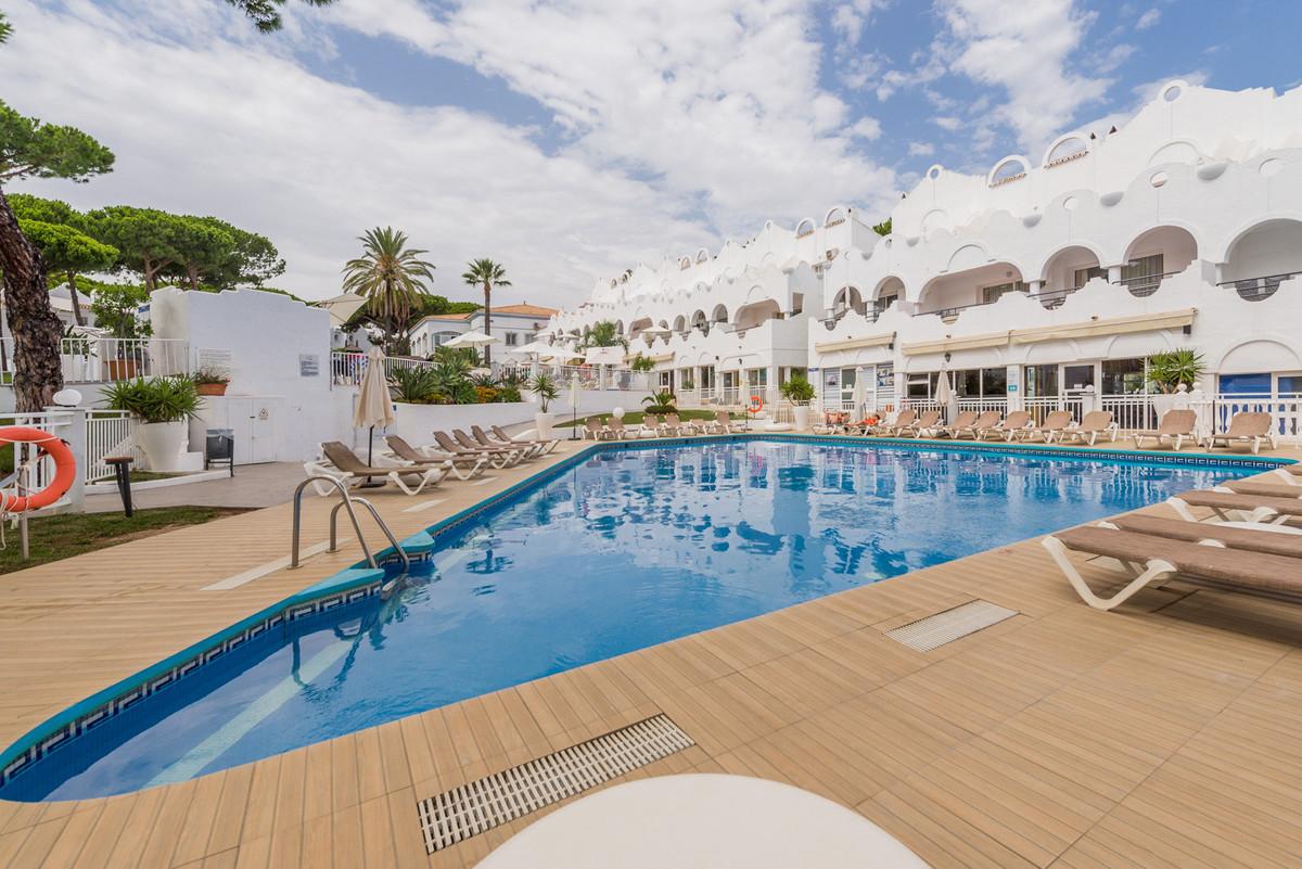 Marbella Banus Apartamento en Venta en Las Chapas – R3673523
