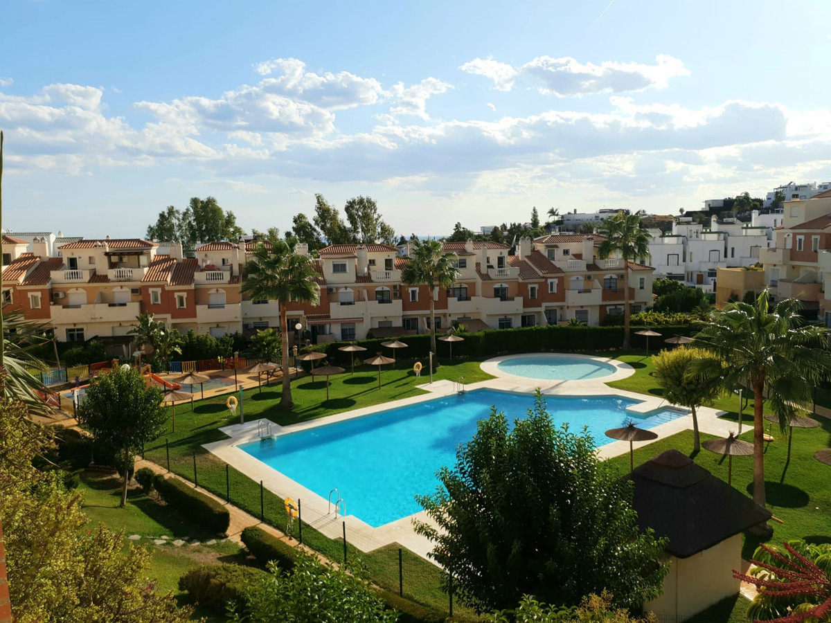 Town House for sale in Rincon de la Victoria with 3 bedrooms, 2 bathrooms, 1 toilet and with orienta, Spain