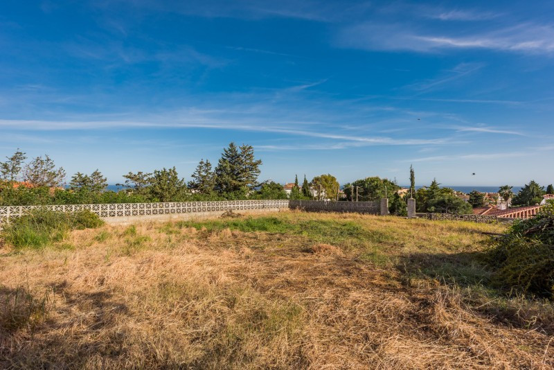 Plot for sale in El Faro, Mijas Costa. Regarding property dimensions, it has 1264 m² plot.   This pr, Spain