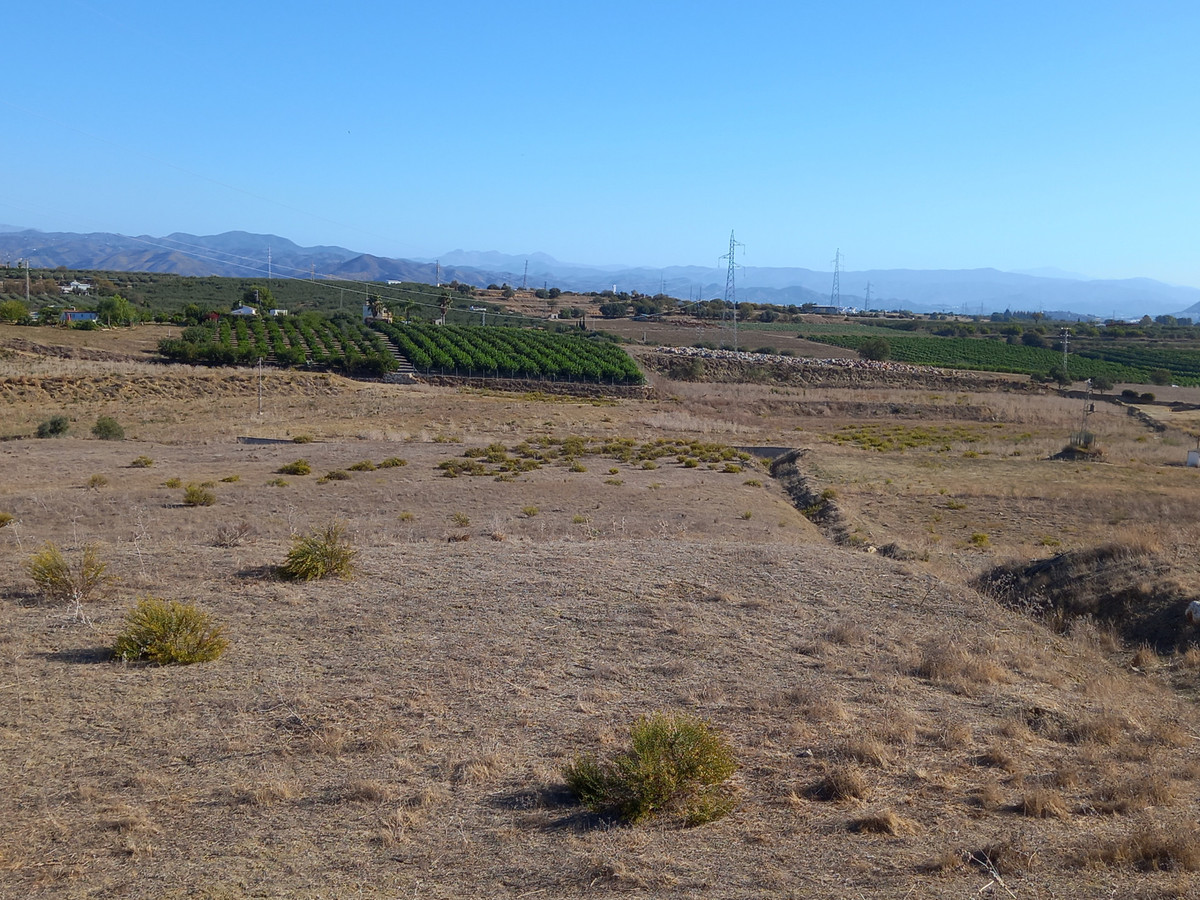 Plot for sale in Coin. Regarding property dimensions, it has 107,274.25 m² plot. Has the following f,Spain