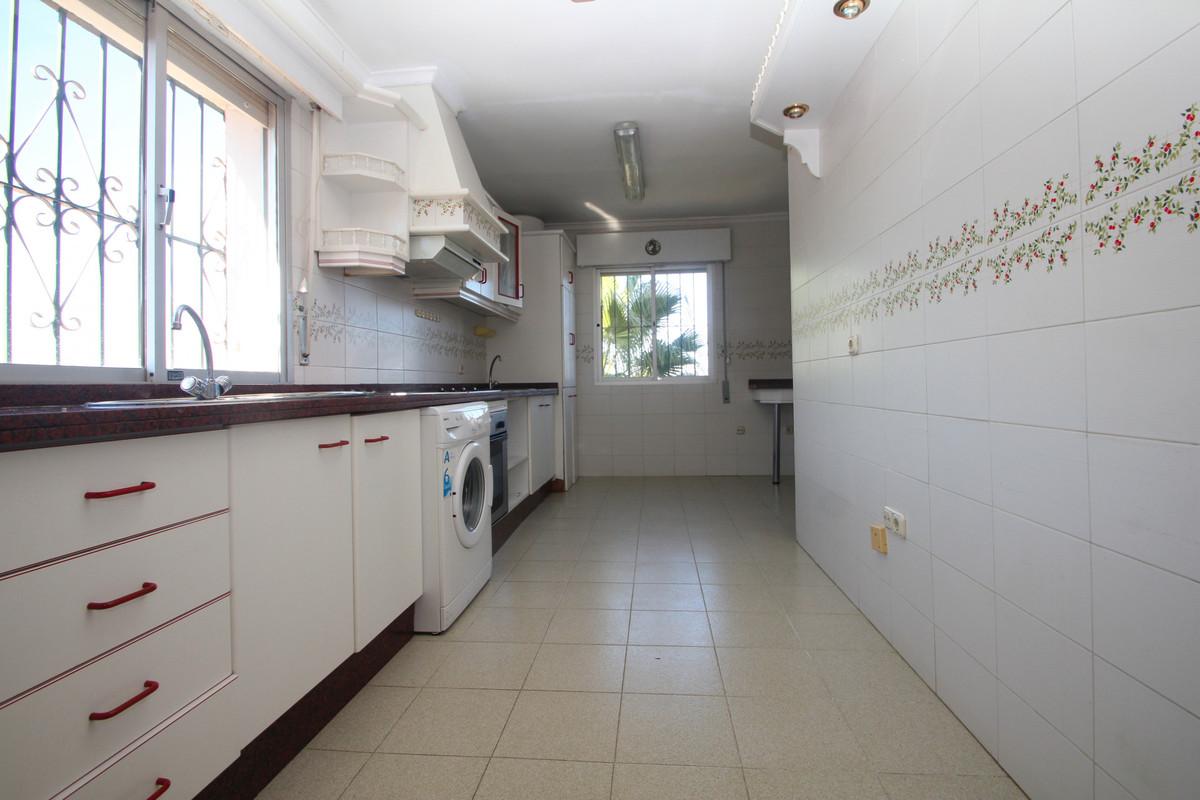 House in Alhaurín de la Torre R3771229 4