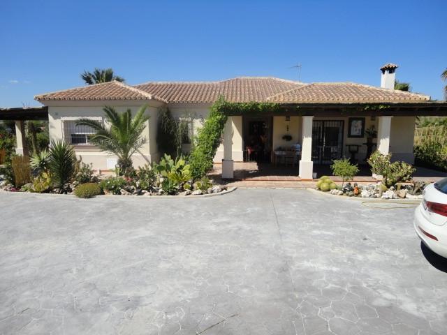 4 bedroom Villa in Coín, Costa del Sol image 1