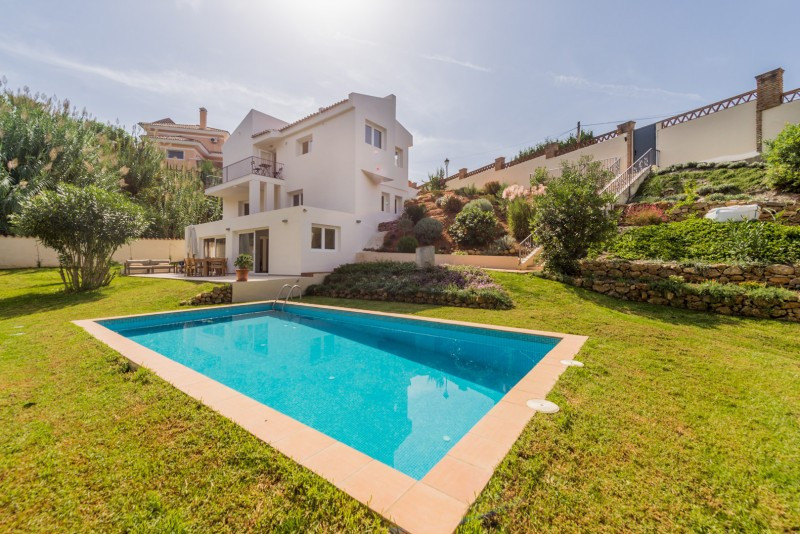 Villa for sale in El Rosario, Marbella East, with 4 bedrooms, 3 bathrooms, 1 en suite bathrooms, the, Spain