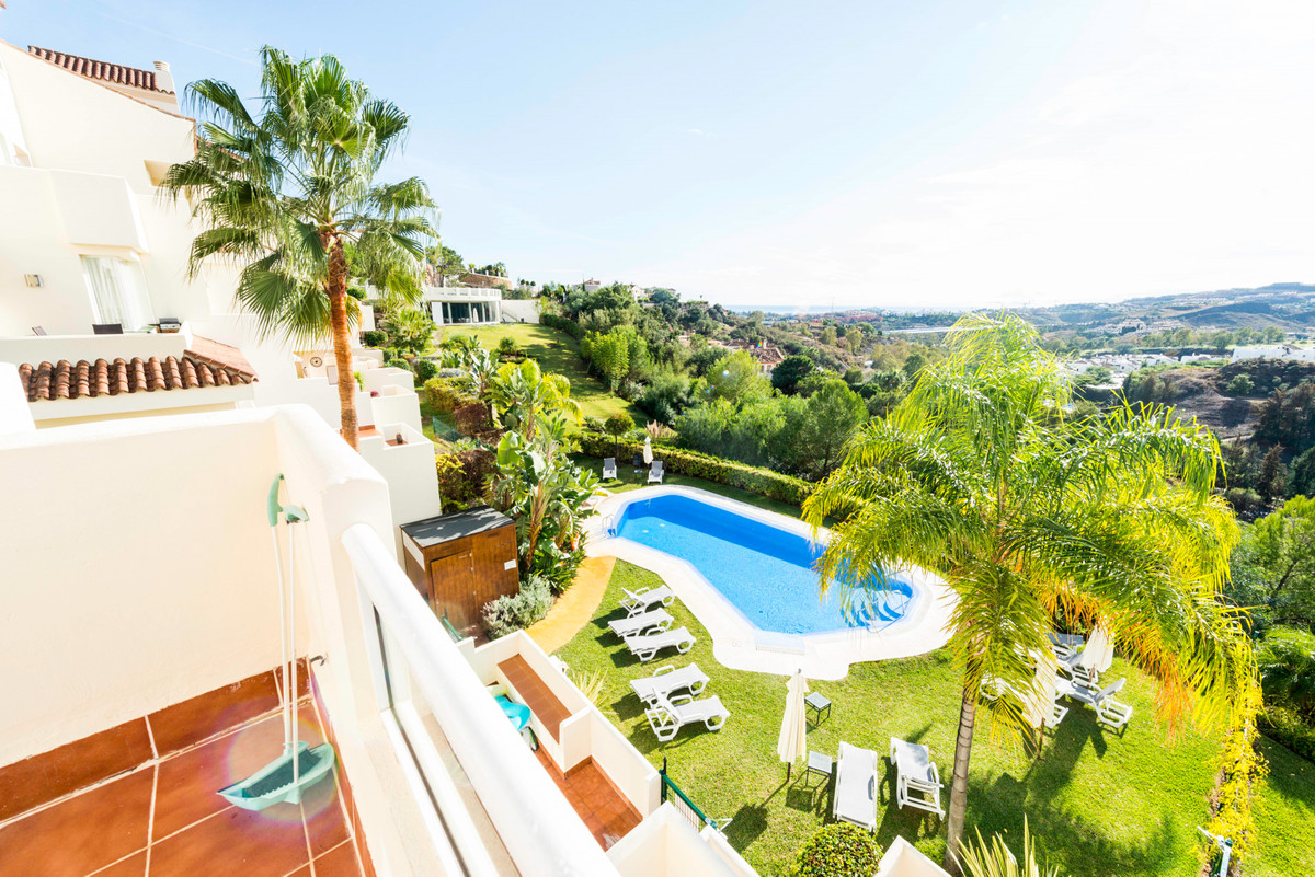 Duplex Penthouse for sale in Puerto del Almendro, Benahavis with 4 bedrooms, 3 bathrooms and with or,Spain