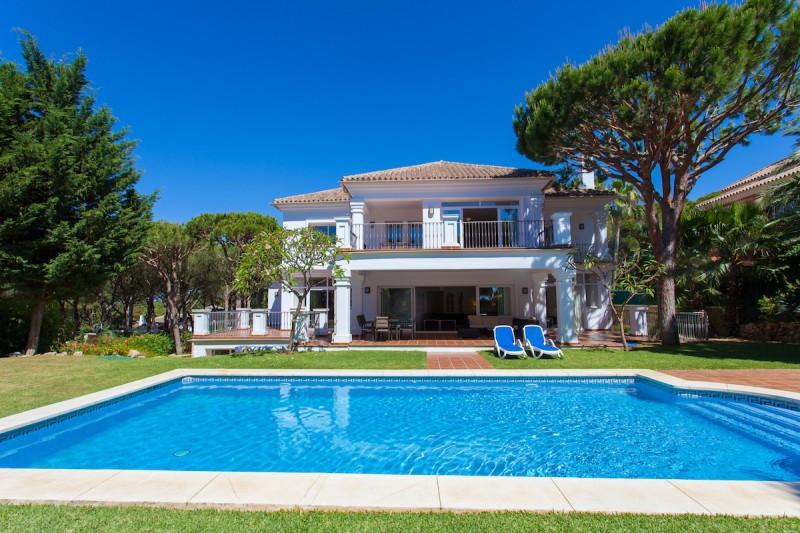 Villa for sale in Hacienda las Chapas, Marbella East, with 7 bedrooms, 6 bathrooms, 1 toilets and ha,Spain
