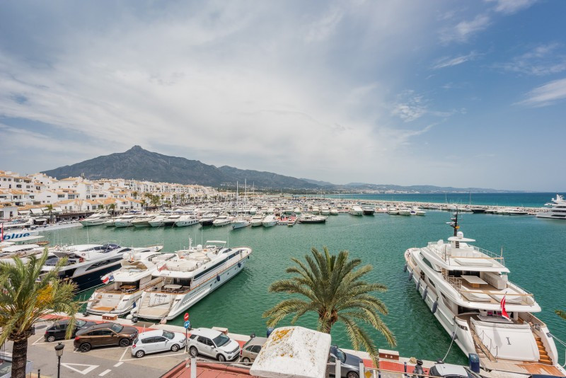 Penthouse for sale in Puerto, Marbella - Puerto Banus, with 9 bedrooms, 8 bathrooms, the property wa, Spain