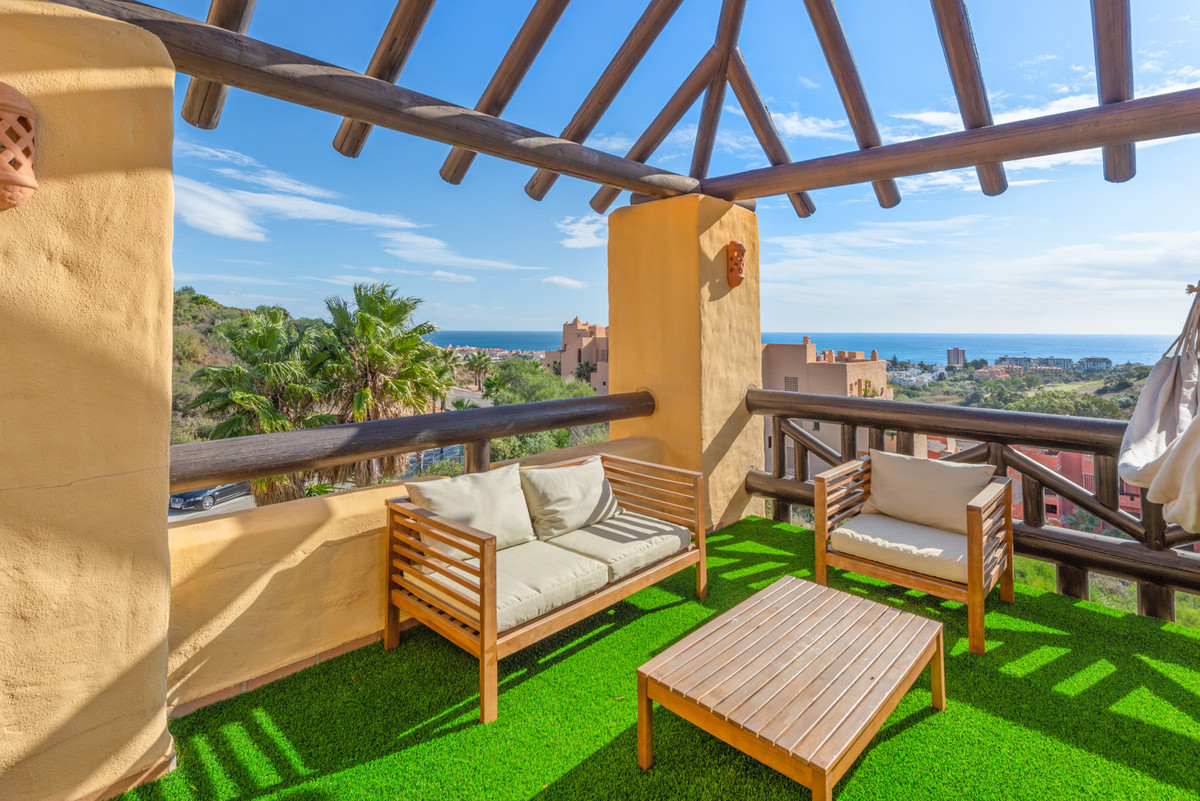 Penthouse for sale in Manilva, with 3 bedrooms, 2 bathrooms, 1 en suite bathrooms, the property was ,Spain