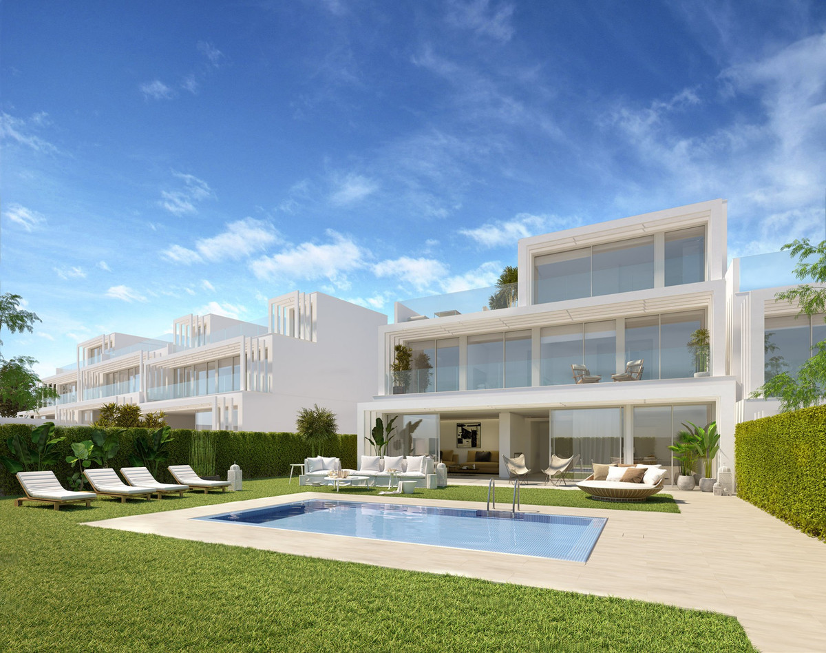 Semi Detached Villa for sale in Sotogrande Golf, Sotogrande, with 3 bedrooms, 4 bathrooms and has a , Spain