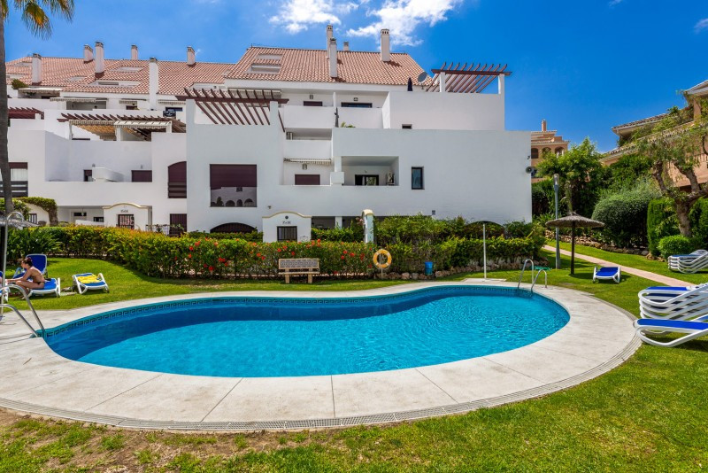 2 bedroom apartment for sale nueva andalucia