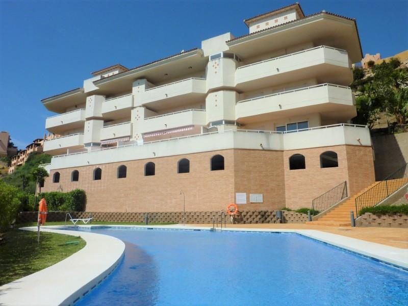 Apartamento Planta Media en venta, Calahonda – R3229381