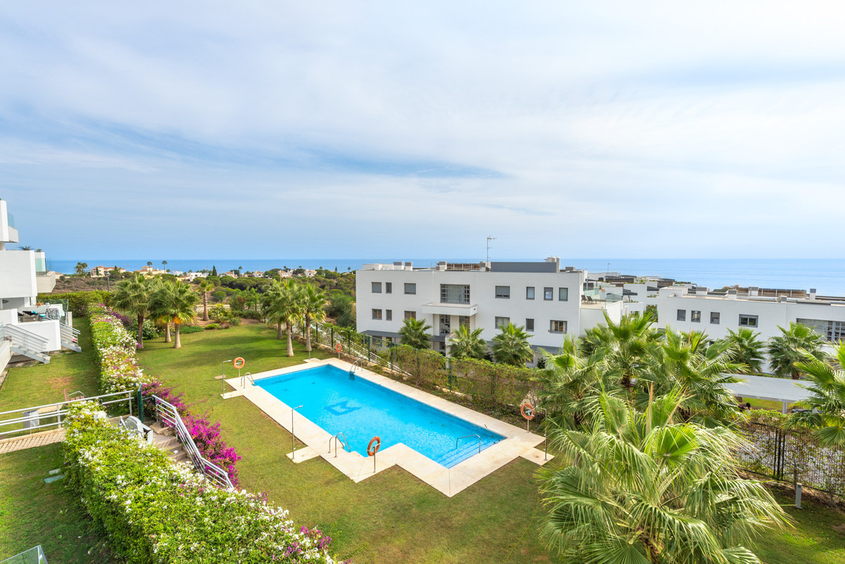 Middle Floor Apartment · Cabopino