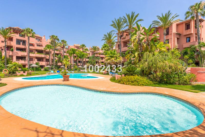Marbella Banus Apartamento Planta Media en venta en Marbella – R3461320