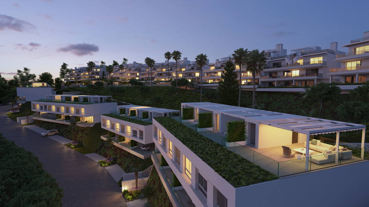 Town House for sale in Cancelada, Estepona, with 3 bedrooms, 2 bathrooms and has a swimming pool (Co,Spain