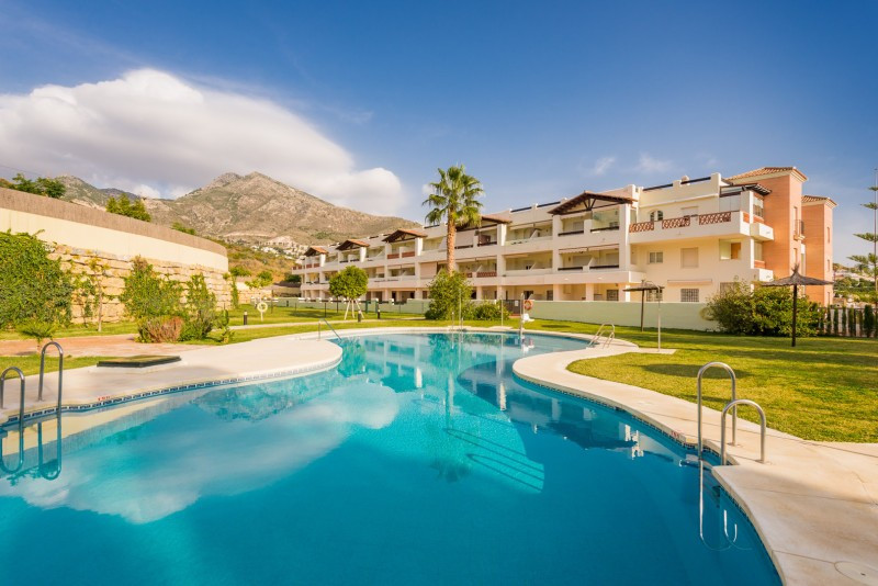 Apartment for sale in Benalmadena, with 2 bedrooms, 2 bathrooms, 1 en suite bathrooms and has a swim, Spain