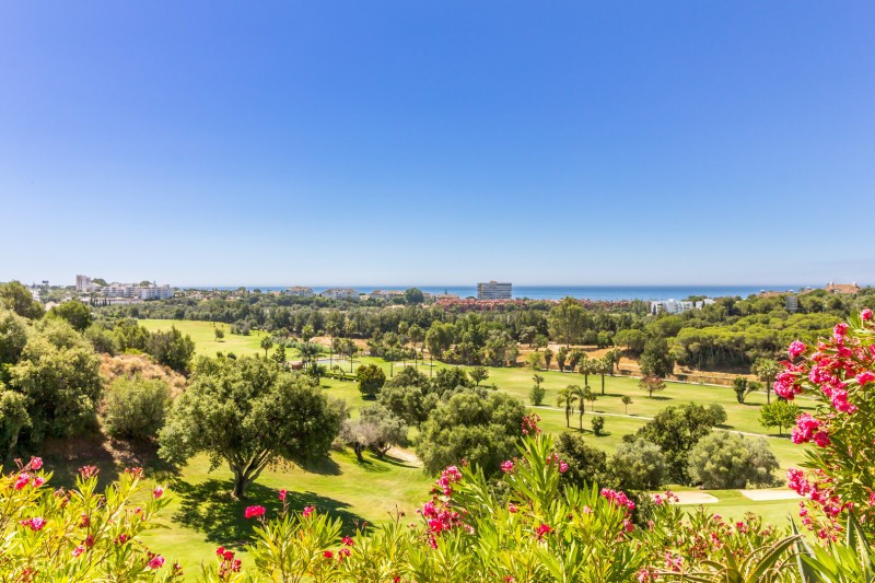 Semi Detached House for sale in Santa Clara, Marbella East, with 3 bedrooms, 4 bathrooms, 3 en suite, Spain