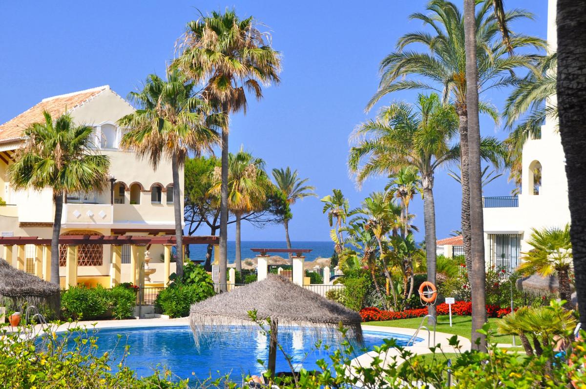 Ground Floor Apartment for sale in Elviria Playa, Marbella East, with 2 bedrooms, 2 bathrooms, 1 en ,Spain