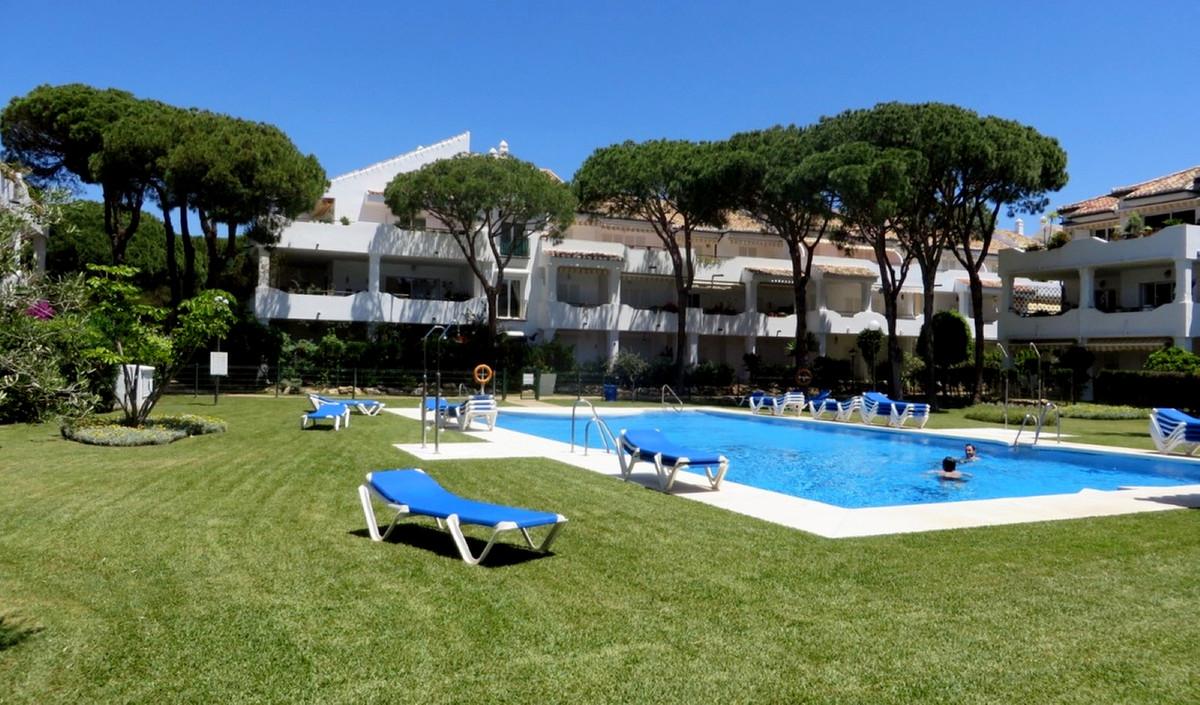 Marbella Banus Apartamento Planta Baja en venta en El Presidente – R3652838